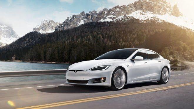 Tesla, Araç İçinde Çocukların Unutulmasını Engelleyecek!